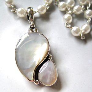 Kidney Pendants - Gemstones/Naturals