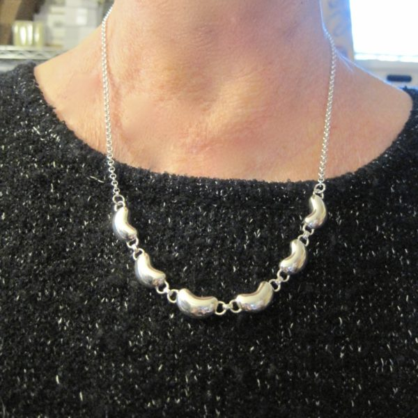 kidney-links-chain-necklace